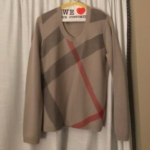 Burberry sweater Size medium